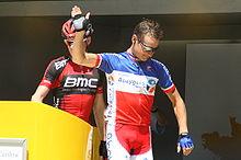 Photographie présentant Thomas Voeckler avec son maillot de champion de France 2010.
