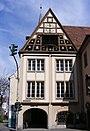 Würzburg - Bürgerspital zum Heiligen Geist - Gebäude mit Glockenspiel.jpg