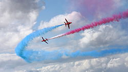 Wallpaper Red Arrows.jpg