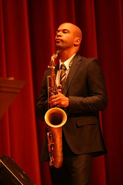 Picture of a band or musician: Walter Smith III
