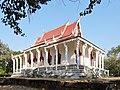 Wat Kampong Tralach Leu Vihara 09.jpg