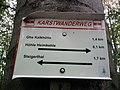 Wegweiser Karstwanderweg zwischen Steigerthal und Kalkhuette (Ghs Kalkhuette 1,4 km).jpg