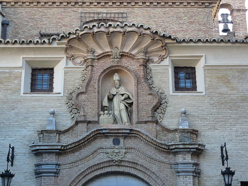 File:Zaragoza - Iglesia de San Nicolás de Bari - Fachada - Decoración portada.JPG