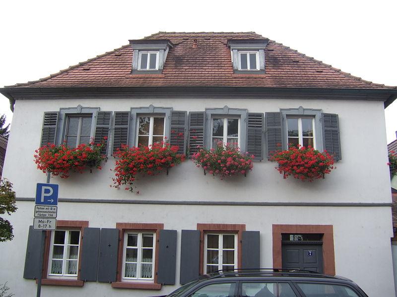 File zweigeschossiges walmdachhaus ber l f rmigem for Walmdachhaus grundriss