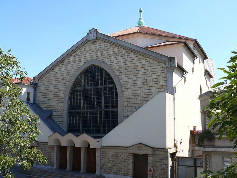 Bon Mercredi 800px-%C3%89glise_Saint-Cyrille-Saint-M%C3%A9thode_%28Paris%29_2