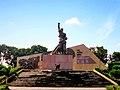 Đài tưởng niệm Long Hưng B.jpg