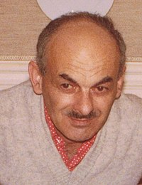 Б.Окуджава, ВПН, Париж, декабрь 1978 (cropped).jpg