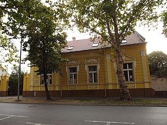 Novi Bečej - Image: Зграда Народне библиотеке у Новом Бечеју