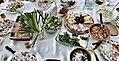 Мезиња и салати.jpg