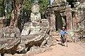 នៅប្រាសាទព្រះខ័ន៥ - at Preah Khan 5.jpg