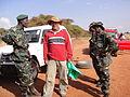 坦尚尼亞礦區修車兵.JPG