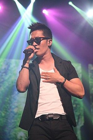 Alex Chu - Alex Chu performing at the Cyworld Dream Music Festival, July 23, 2011