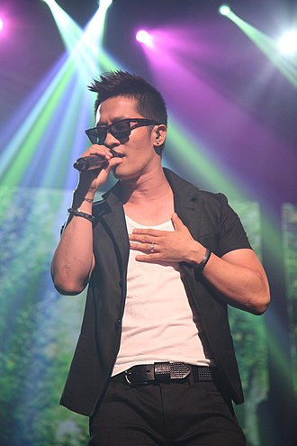 Korean Canadians - Image: 알렉스 @ Cyworld Dream Music Festival 싸이월드 드림 뮤직 페스티벌 5