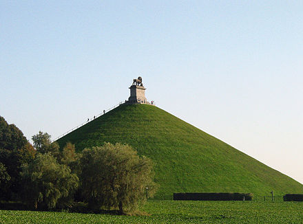 The Lion's Mound at Waterloo 0 Braine-l'Alleud 051012 (1).JPG