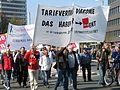 1. Mai 2013 in Hannover. Gute Arbeit. Sichere Rente. Soziales Europa. Umzug vom Freizeitheim Linden zum Klagesmarkt. Menschen und Aktivitäten (140).jpg