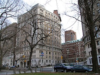 116th Street (Manhattan) - Image: 116th Street and Riverside Drive
