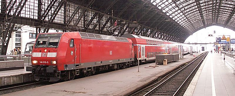 146 019-5 Rheinexpressinkoelnhbf.jpg
