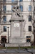 150214 Denkmal für Rudolf Virchow Berlin.jpg