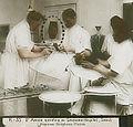 1904년 제중원 에비슨의 외과 시술.jpg