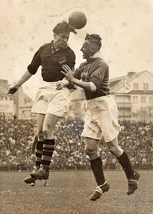Wilson Jones (footballer) - Jones (r.) in a game against Swedish club AIK Fotboll in 1946