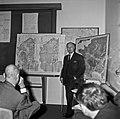 1969 visite Bernard Pons au CNRA-32-cliche Jean Weber.jpg