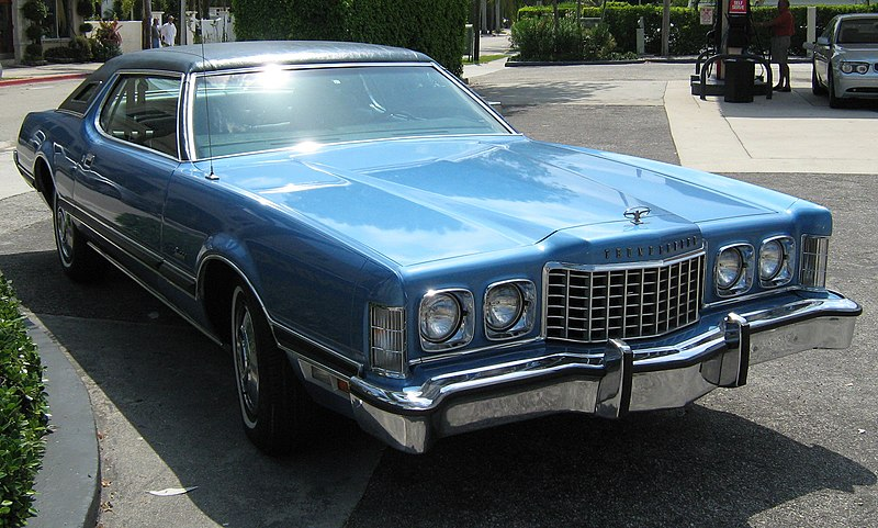 File:1973 Ford Thunderbird blue front.jpg