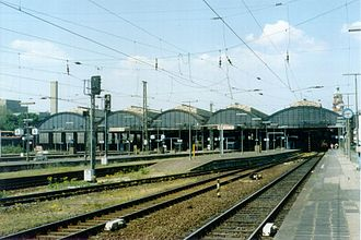 Wiesbaden Hauptbahnhof - Train shed