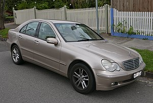 2002 Mercedes-Benz C 180 Kompressor (W 203 MY03) Elegance sedan (2015-07-09) 02.jpg