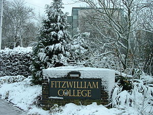 Fitzwilliam College, Cambridge - The College sign on Huntingdon Road (removed in May 2008 to make way for further building work).