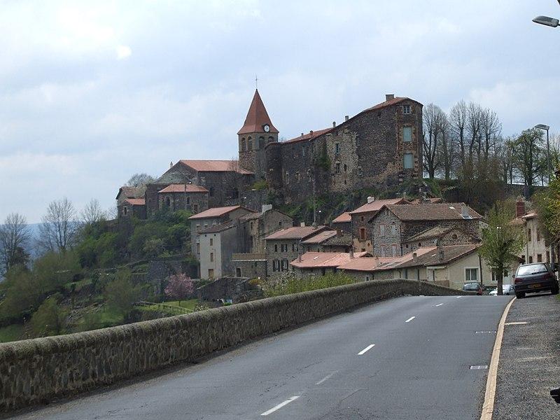 File:2009-05-01-2600-St-Privat-d'Allier.JPG
