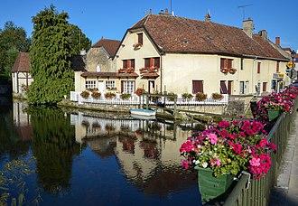 Mirebeau-sur-Bèze - The Bèze riverside at Mirebeau-sur-Bèze