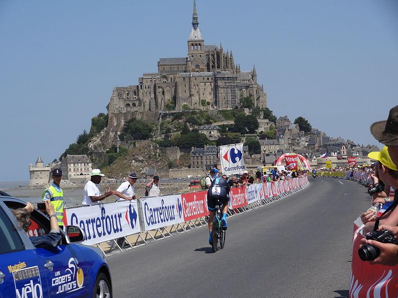 File:2013-07-10 Tour de France - Mont Saint-Michel (45).JPG