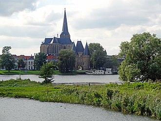 Bovenkerk, Kampen - View of the Bovenkerk and the Koornmarktpoort, Kampen