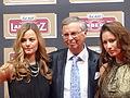 2016-02-01 125 Wolfgang Bosbach mit Töchtern Viktoria und Caroline.JPG