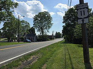 Special routes of U.S. Route 11 - View south from the north end of US 11 Bus in Staunton, Virginia