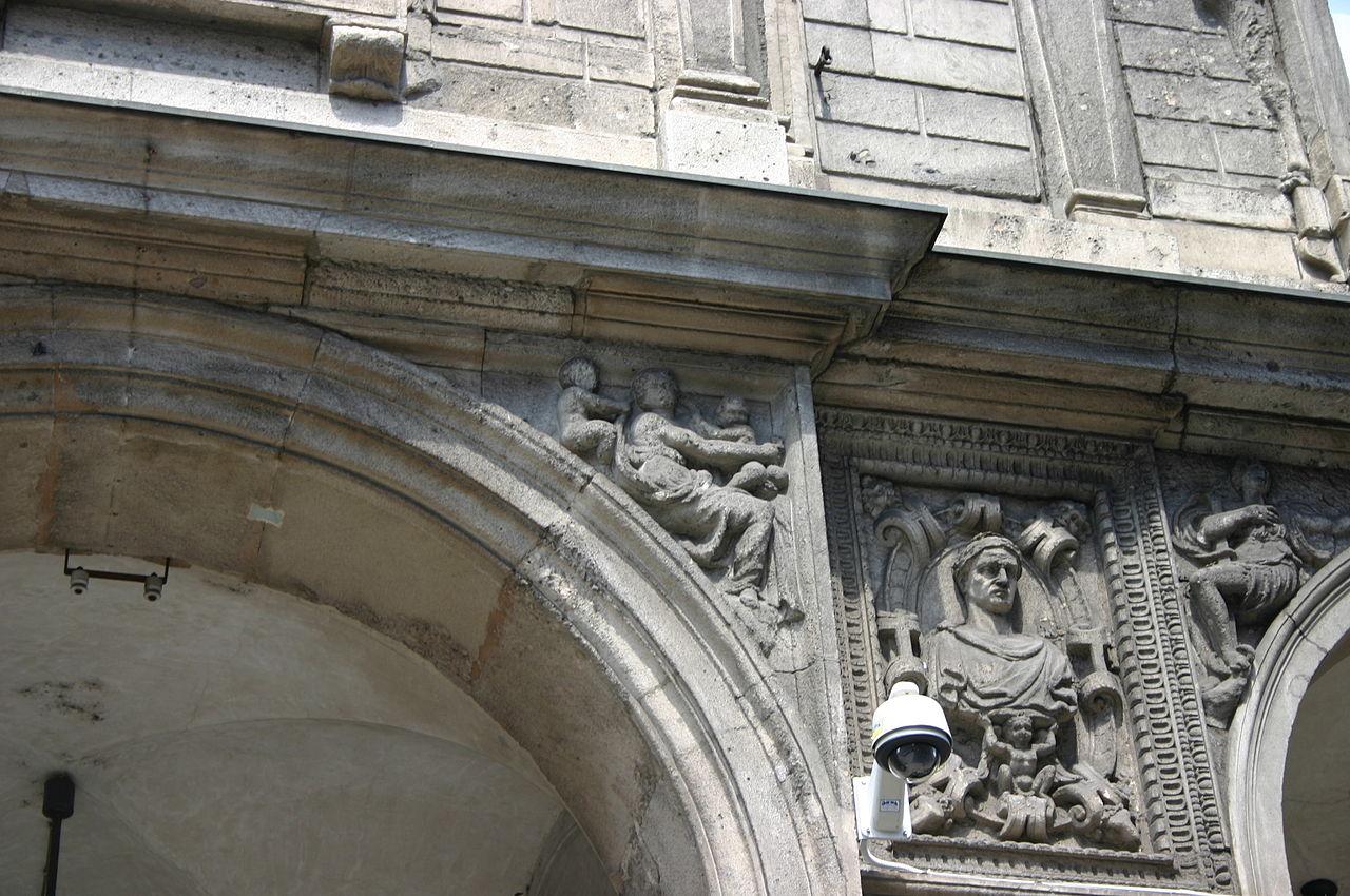 File 5050 milano palazzo dei giureconsulti foto for Palazzo 24