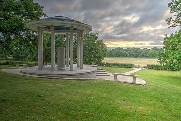 The Magna Carta Memorial at Runnymede, designed by Sir Edward Maufe and erected by the American Bar Association in 1957. The memorial stands in the meadow known historically as Long Mede: it is likely that the actual site of the sealing of Magna Carta lay further east, towards Egham and Staines. ABA-wyrdlight-815935.jpg
