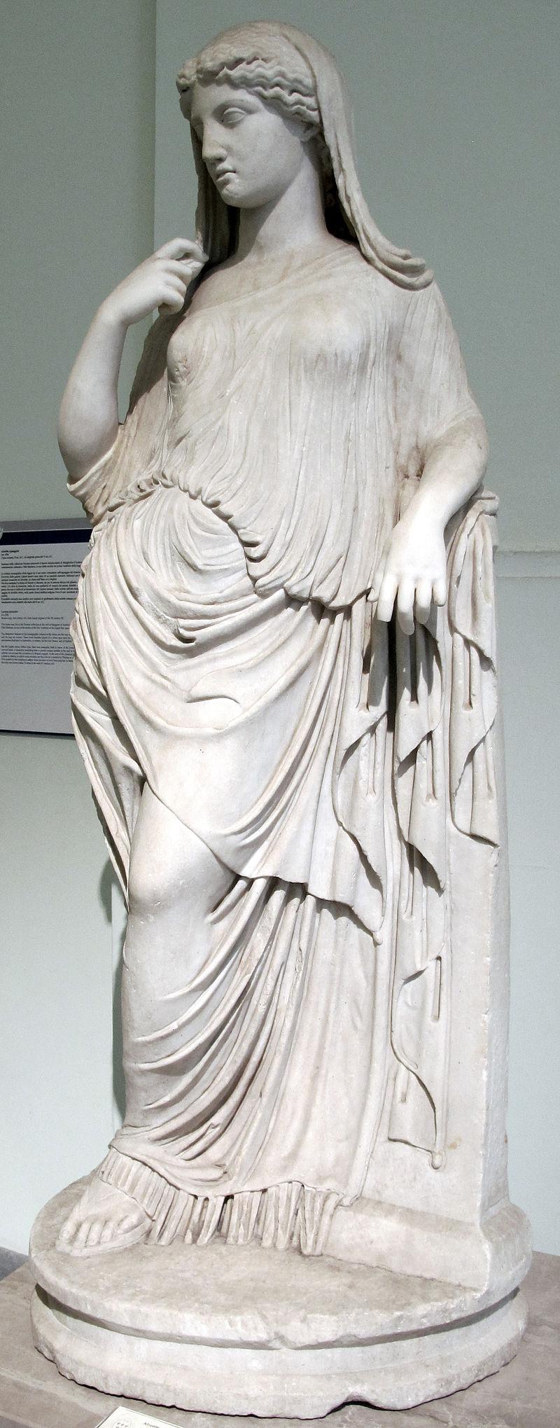 مجسمهای از آفرودیت در موزه ناپل