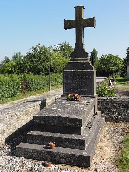 Aibes (Nord, Fr) tombe de guerre au cimetière