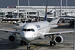 Airbus A321-231 Luftahnsa D-AIDH (10761625805).jpg