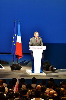 Alain Rodet s'exprimant lors du meeting de François Hollande au Zénith de Limoges, le 27 avril 2012.