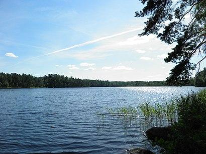 Kuinka päästä määränpäähän Alinen Niemisjärvi käyttäen julkista liikennettä - Lisätietoa paikasta