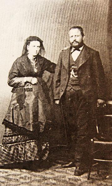 File:Amedeo-modigliani-parents-livorno-1884-eugenie-garsin-and-flaminio-modigliani.jpg
