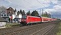 Angermund 146 273 met de RE5 naar Emmerich (25986865063).jpg