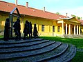 Arany János Múzeum, volt méntelep, huszárkaszárnya (7157. számú műemlék).jpg
