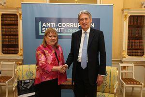 Susana Malcorra - Malcorra and former British foreign secretary Philip Hammond, in London, 2016