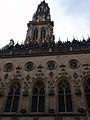 Arras beffroi et façade sculptée.jpg