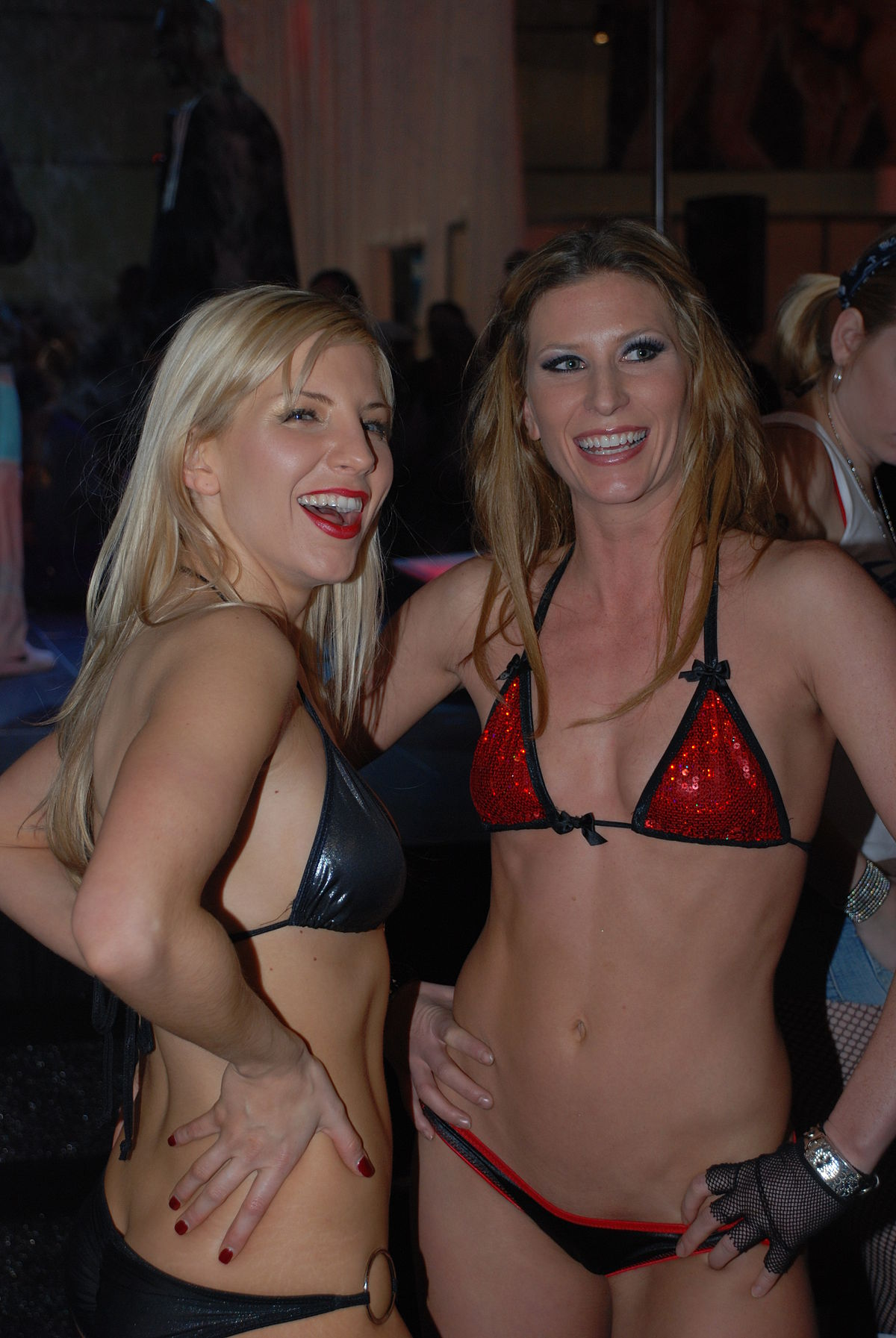 http://upload.wikimedia.org/wikipedia/commons/thumb/b/b6/Ashley_Fires_and_Ariel_X_at_AVN_Adult_Entertainment_Expo_2009_%288%29.jpg/1200px-Ashley_Fires_and_Ariel_X_at_AVN_Adult_Entertainment_Expo_2009_%288%29.jpg