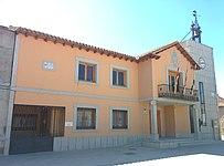 Ayuntamiento de Las Ventas con Peña Aguilera.jpg