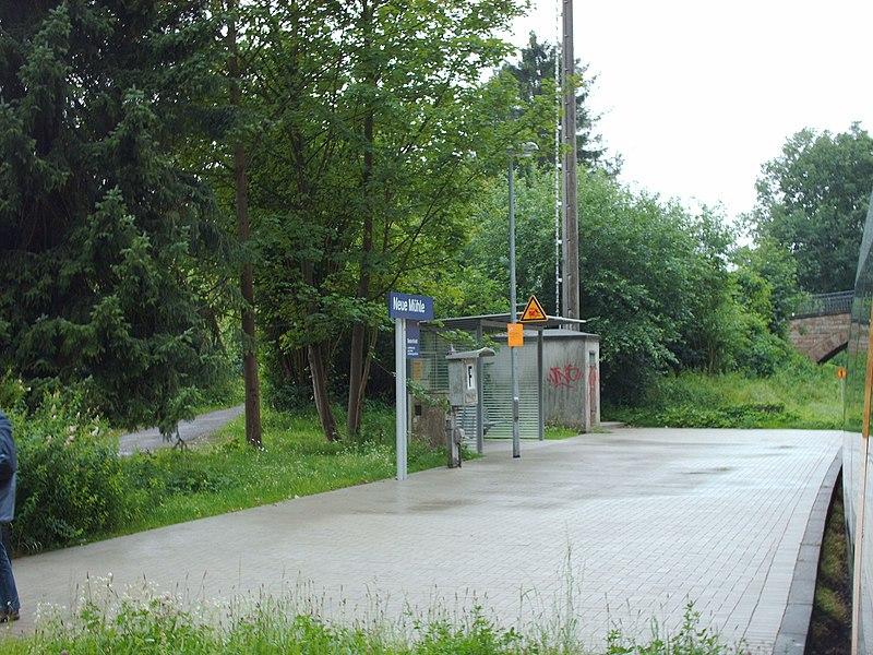 Datei:Bahnhof Mesch, Neue Mühle.jpg